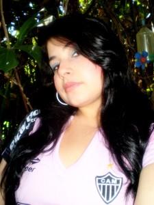 quem o beija flor escolhe ela ou o potinho 225x300 Cam1sa D3las   Marcela Diniz