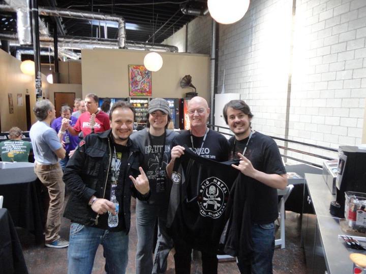 Chris Slade baterista do AC DC Eles são o Rock, Eles são Galo