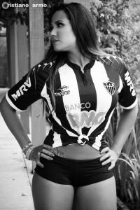 10 200x300 Cam1sa D3las   Adriana Alves