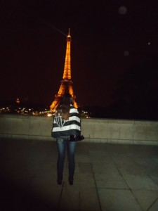 que belas torres vestidas com jeans 225x300 Cam1sa D3las   Élida Bittencourt