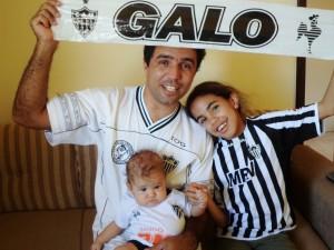 SAM 0321 300x225 Galo em Família   Na estrada para conhecer Ronaldinho