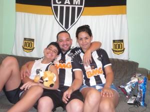 DSC02464 300x225 Galo em Família   Só camisa Alvinegra