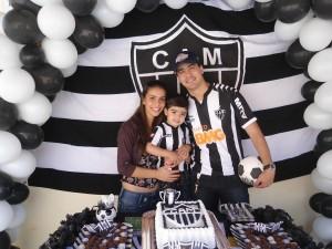 claudinei e a  irma josiane no aniversario do sobrinho PEDRO