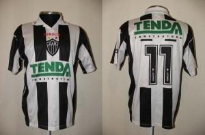 1997 1 11 Almir 300x198 A CAMISA MAIS BONITA NA HISTÓRIA DO CLUBE ATLÉTICO MINEIRO (3ª FASE   1990/1999)