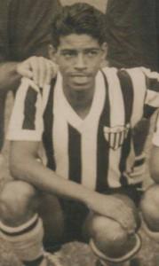 51 179x300 A CAMISA MAIS BONITA NA HISTÓRIA DO CLUBE ATLÉTICO MINEIRO (7ª FASE   1950/1959)